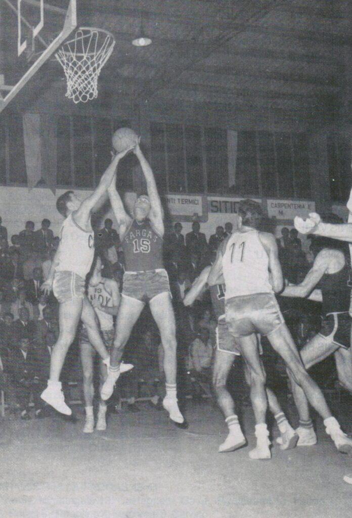STAGIONE 1967/68: FARGAS LIBERTAS LIVORNO vs CANDY BOLOGNA