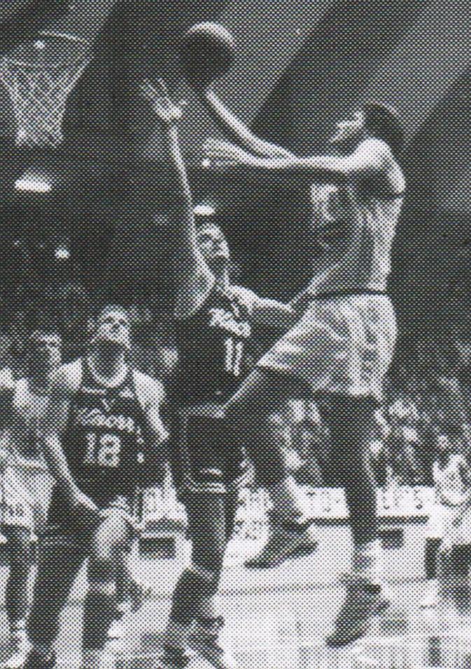 STAGIONE 1992/93: BAKER LIVORNO vs KNORR VIRTUS BOLOGNA