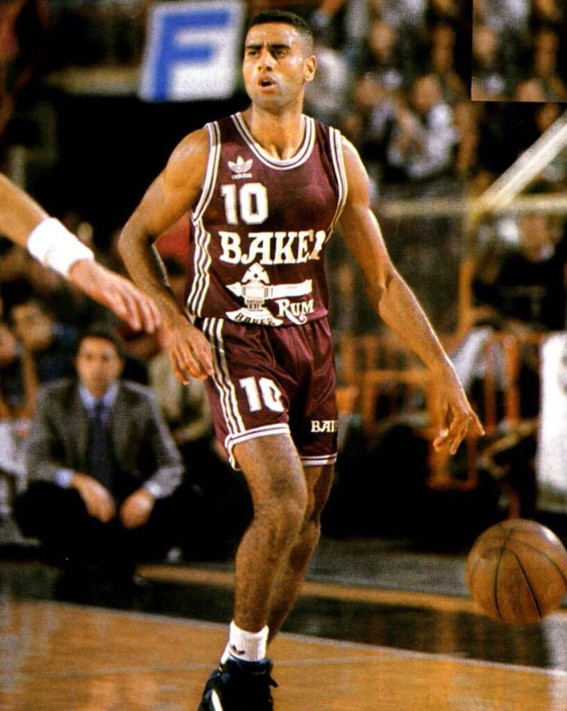 STAGIONE 1993/94: STEFANO ATTRUIA IN MAGLIA LIBERTAS PALLACANESTRO LIVORNO