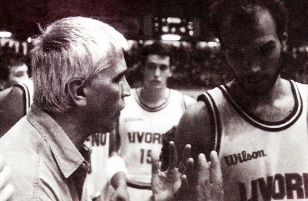 """STAGIONE 1991/92: """"DODO"""" RUSCONI GUIDA UN TIME-OUT BAKER LIVORNO STAGIONE 1991-92"""