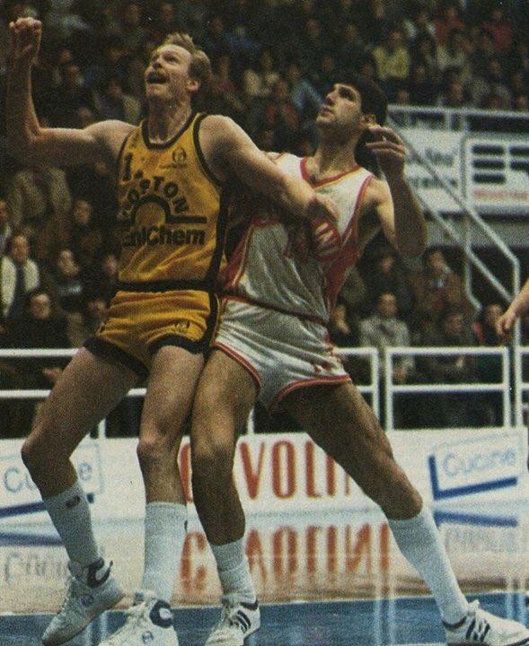 STAGIONE 1986/87: BOSTON ENICHEM LIBERTAS LIVORNO vs SCAVOLINI PESARO